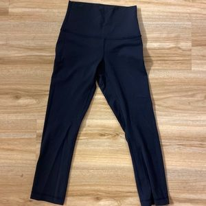 Lululemon cropped Capri legging